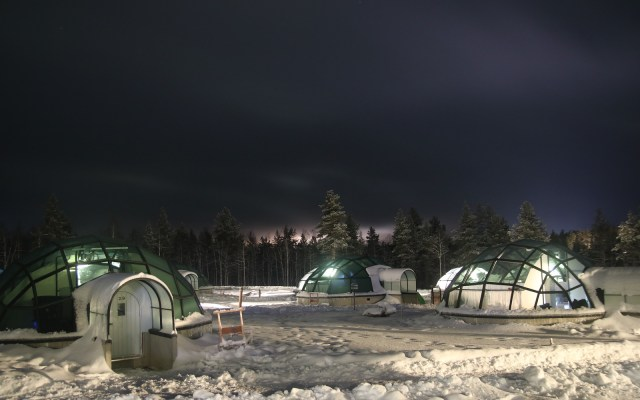 A Guide To Aurora Watching & Staying In A Glass Igloo At The Kakslauttanen Resort