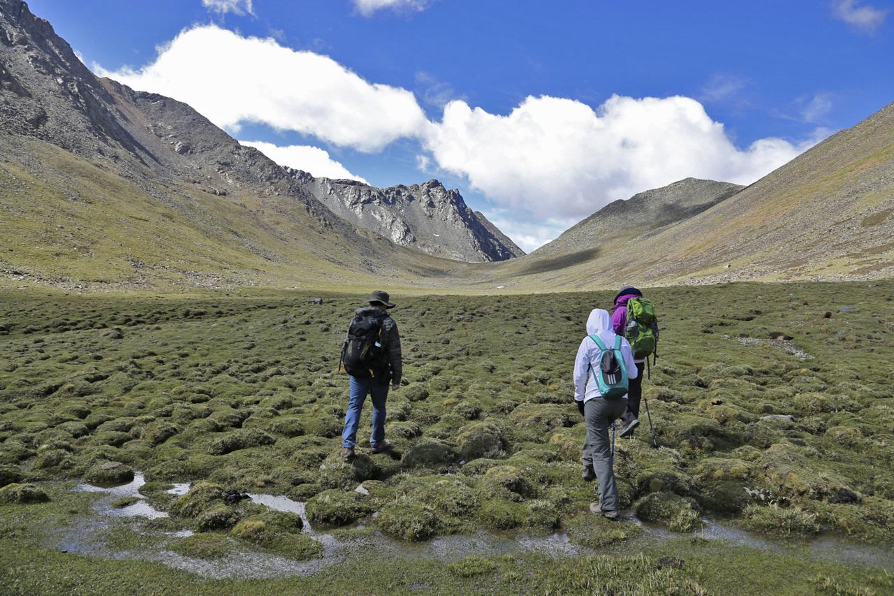 Trekking in Ganden to Samye