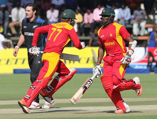Ervine and Masakadza during their partnership PIC: Zim Cricket