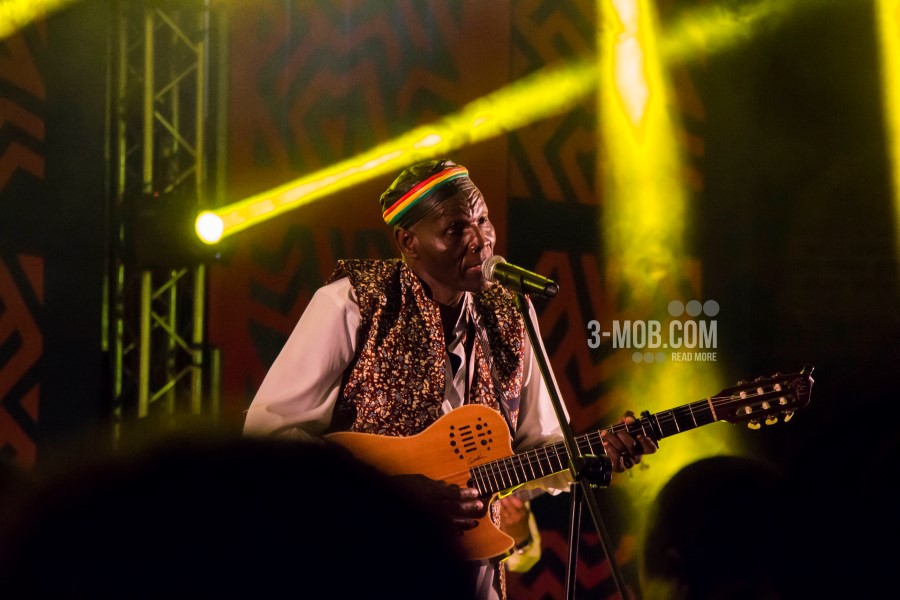 Tuku breaks new ground with unique award at Oppikoppi Festival   Three Men On A Boat