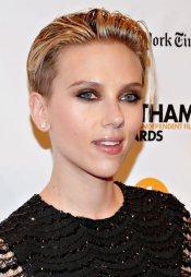 Scarlett Johansson et sa coupe sidecut en 2014
