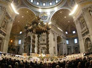 Bento XVI preside a santa missa por ocasião do quadragésimo aniversário da conclusão do Concílio Vaticano II, em 8 de dezembro de 2005