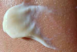 Lotion is non tinted and appears just like the original Palmer's Cocoa Butter