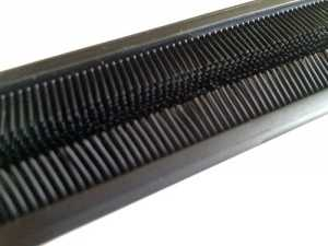 Bruzz Nail Brush - Rubber bristles for a soft feel but great clean