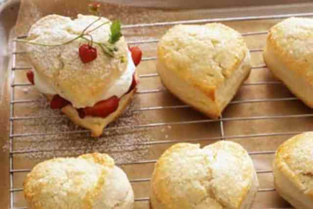 Heart-Shaped Valentine Strawberry Shortcakes