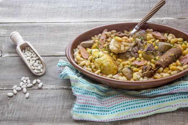 Slow Cook Lamb, Sausage and White Bean Cassoulet
