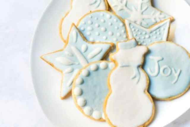 Celebrating Holidays with Christmas Cookies From Around the World