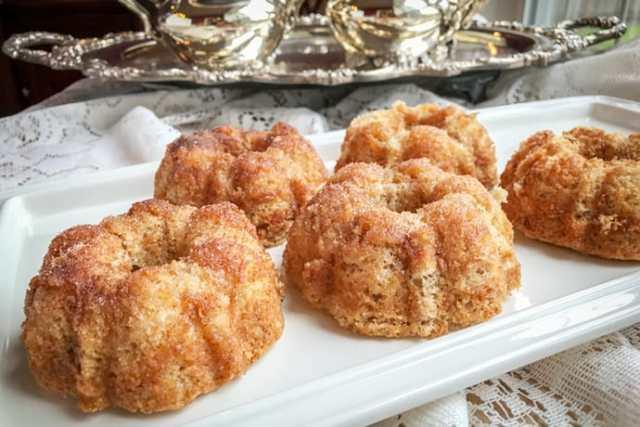 First Lady Dolley Madison's Woodbury Cinnamon Teacakes