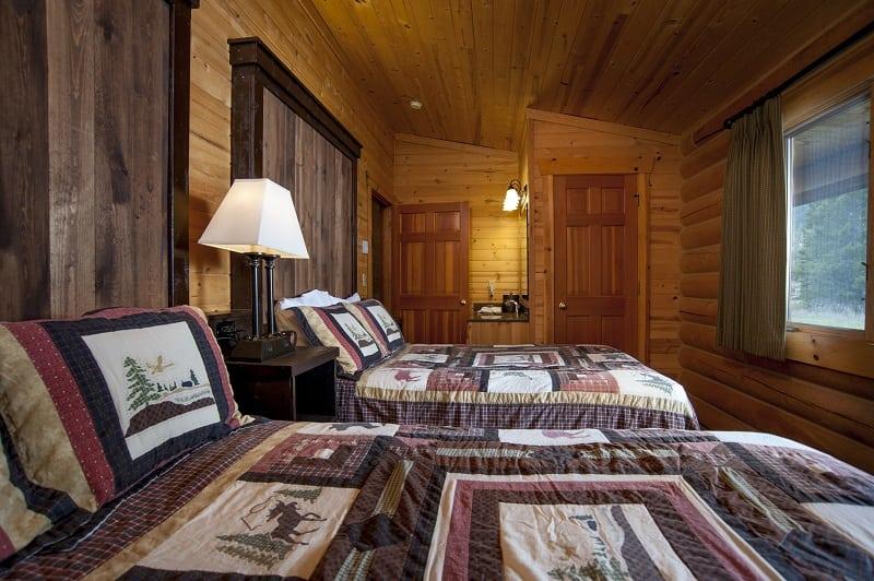 Montana Log Cabins  Yellowstone  Riverfront
