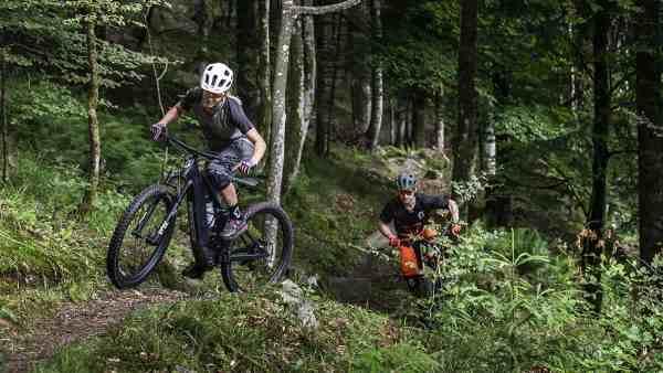 eRIDE Shoot_SCOTT Sports_2019_Genius eRIDE_Bike_by_Gaudenz DANUSER_180606155937-1200x675_1456137_jpg_original_1