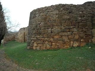 Dos cranis trobats a Ullastret demostren que els ibers feien decapitacions rituals. (Foto: Wikimedia Commons)