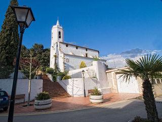 L'església de Sant Cebrià de Vallalta (Foto: Araceli Merino)