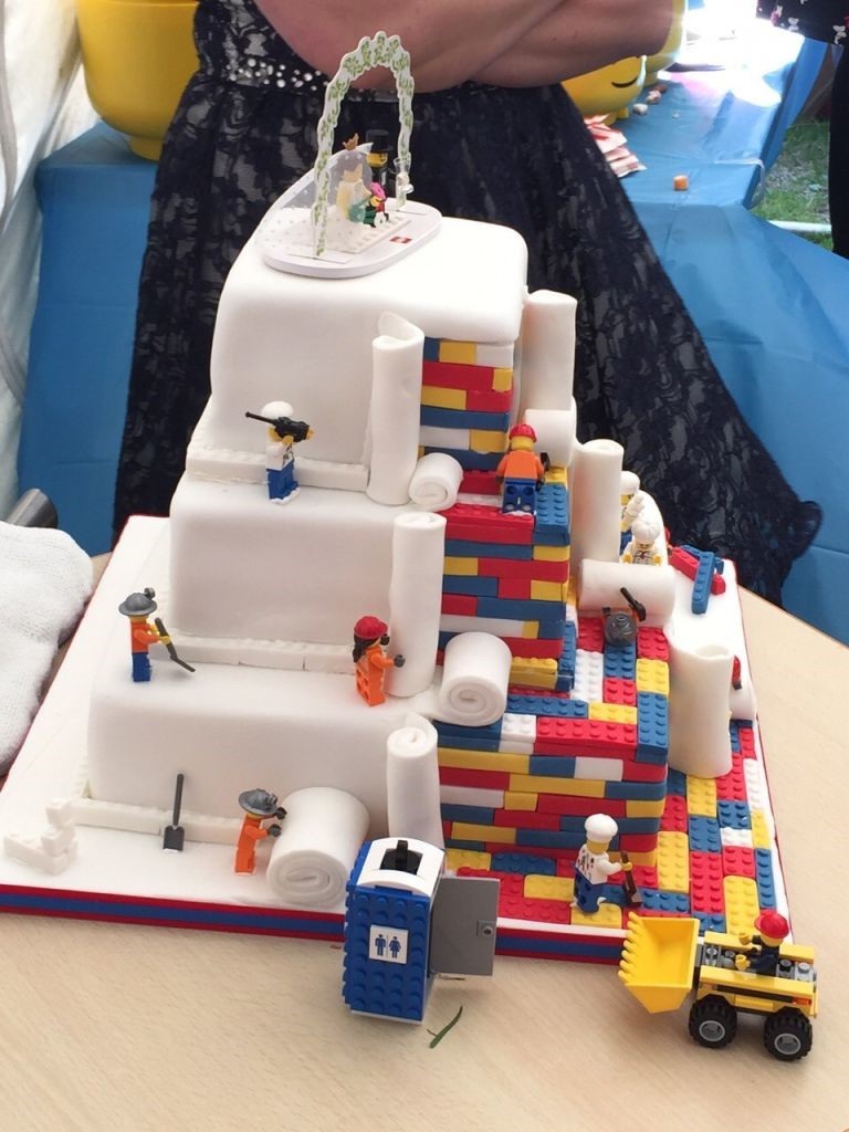 Top 10 Most Outrageous Wedding Cakes