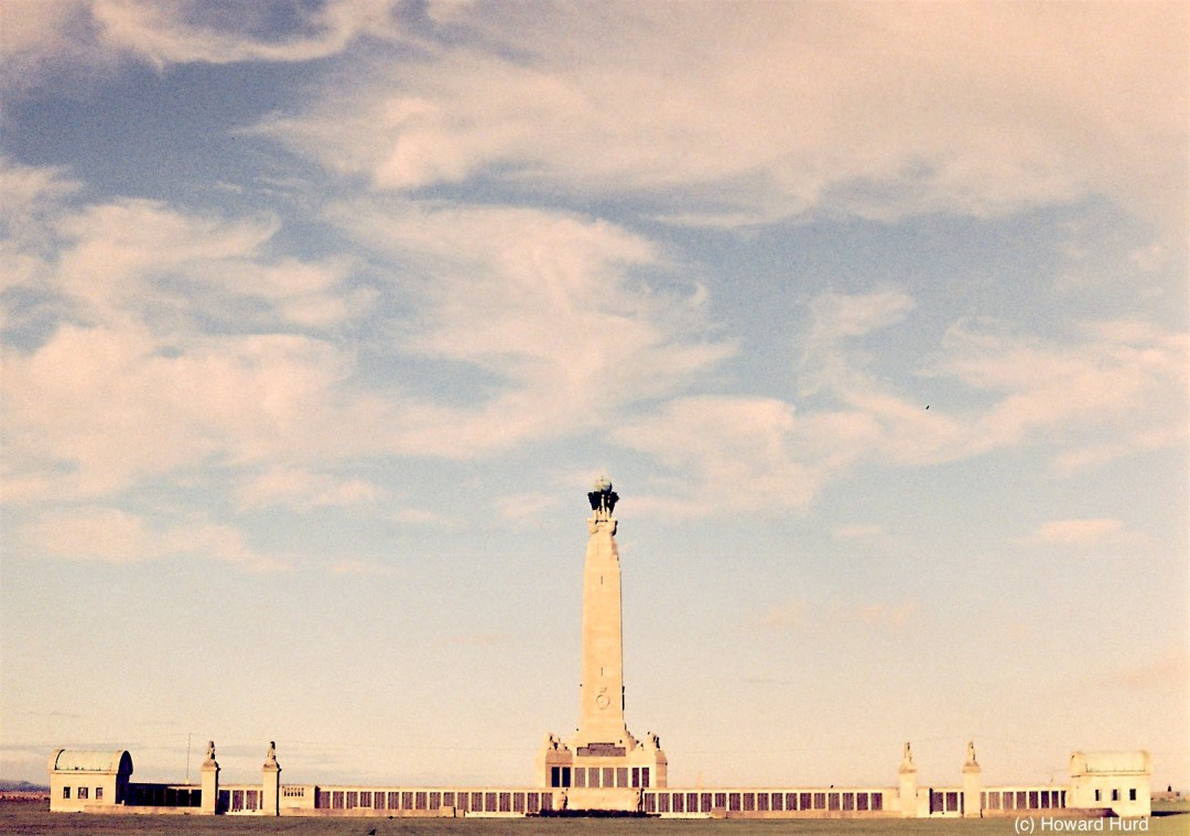 Seafarers' War Memorial, Southsea seafront, UK - taken with Fed4 and Agfa VistaPlus at ISO200