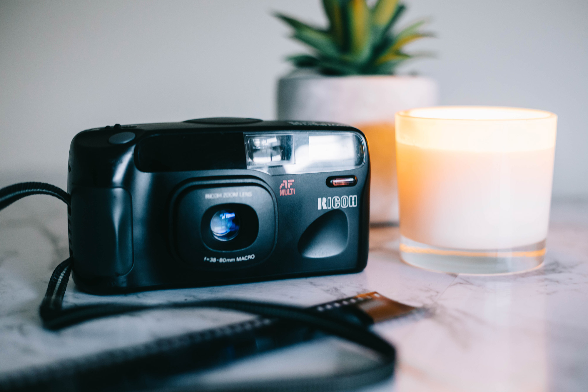 Ricoh Shotmaster Zoom Super Date Review – By Gavin Bain