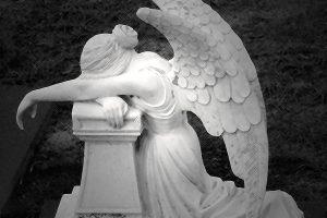 mère imparfaite, ange qui pleure