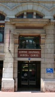Bibliothek Camus-1