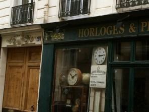 Uhrmachergeschäft in der Rue Madame. ©Foto: Anne-Kathrin Reif