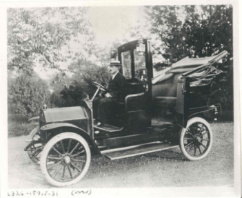 Harry Allen and French Darracq cabs, 1907