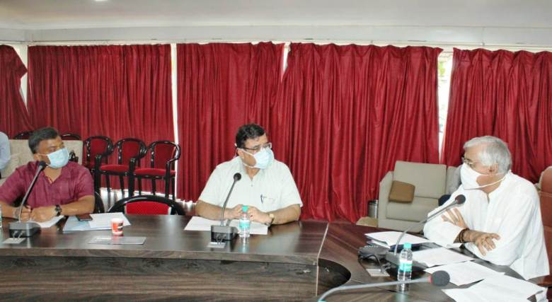स्वास्थ्य मंत्री श्री टी.एस. सिंहदेव ने फाइलेरिया से बचाव के लिए सामूहिक दवा सेवन अभियान का किया शुभारंभ