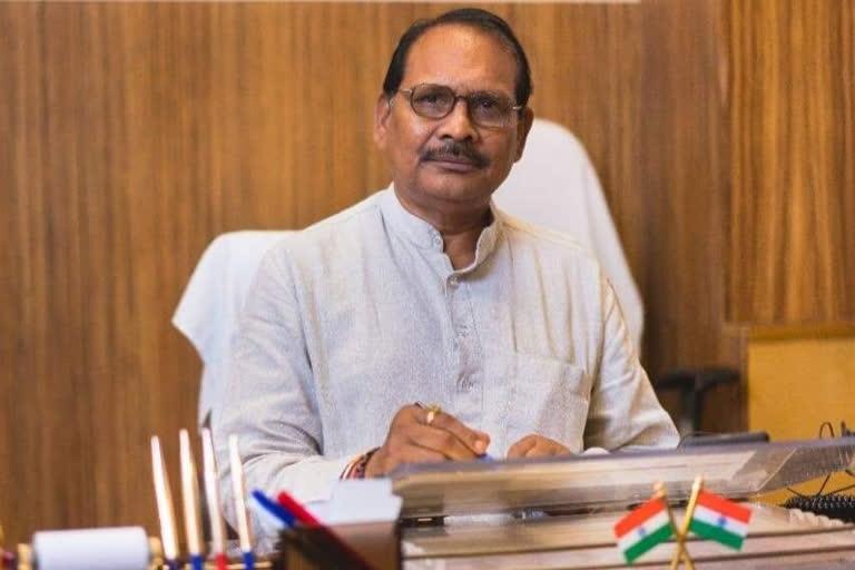 मंत्री डॉ. प्रेमसाय सिंह टेकाम - Tekam
