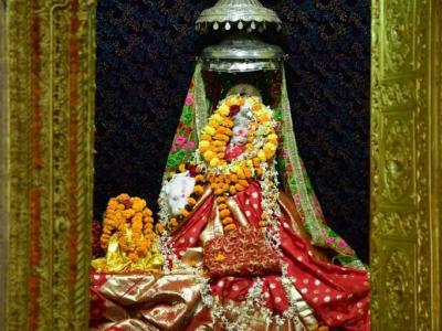मुख्यमंत्री ने मां दंतेश्वरी मंदिर में पूजा-अर्चना कर प्रदेश की सुख-समृद्धि की कामना की
