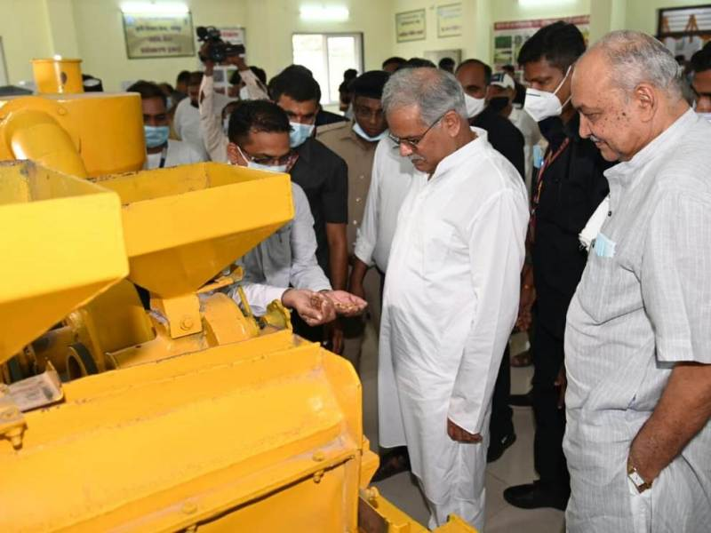 मुख्यमंत्री ने कृषि विश्वविद्यालय द्वारा विकसित प्रसंस्करण इकाईयों की सराहना की