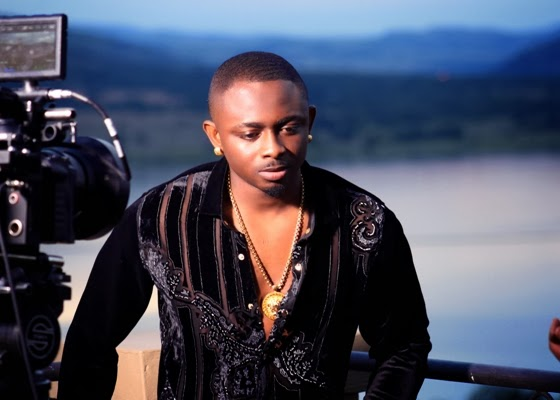 Sean Tizzle BTS Photos 13