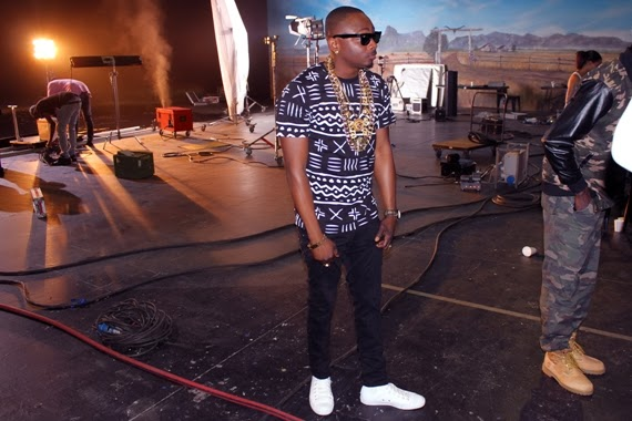 Sean Tizzle BTS Photos 9