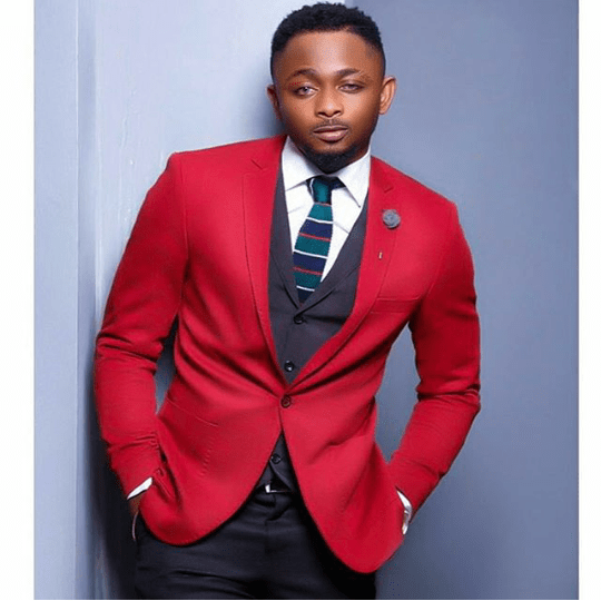 sean-tizzle-shows-off-dapper-look-photo
