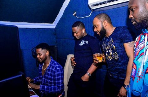847B4010 4C23 4C0B 9BF0 DD96D3696FF0 - Kiss Daniel, Kcee And Ubi Franklin Pictured Together