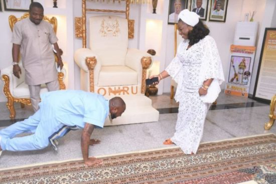 DMW boss, Davido visits Oniru of Iruland in his palace (Photos) 4