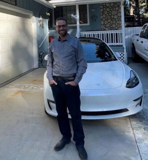 Tesla Driver Who Brags About The Car's Autopilot Feature, Dies In A Horror Crash 1