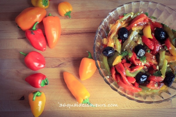 Poivrons marinés à l'huile d'olive et à l'ail