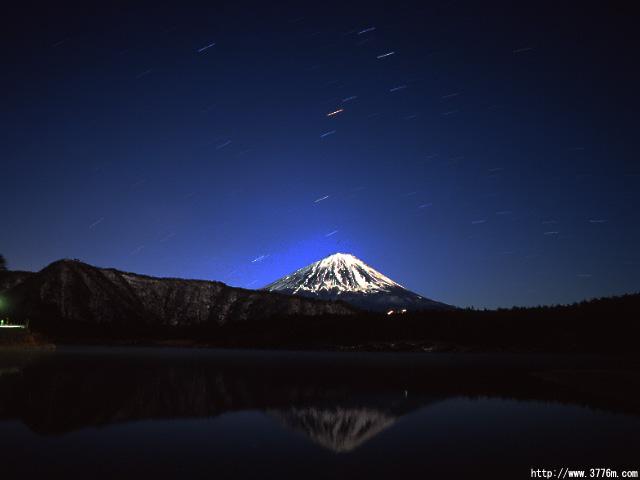 さそり座と富士山/西湖