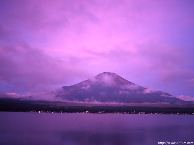 朝焼けに染まる/山中湖