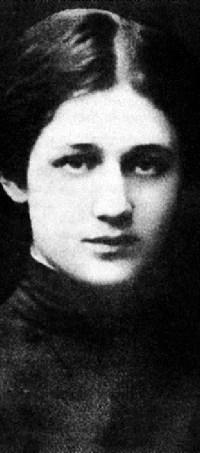Anna-Akhmatova-1904