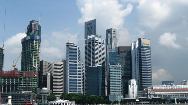 Downtown_Singapore,_May_2010