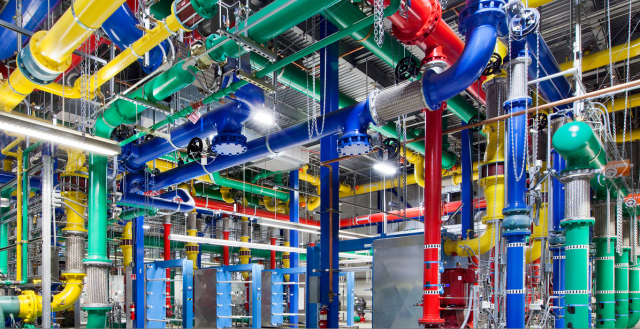at-its-oregon-facility-google-started-to-develop-its-knack-for-squeezing-out-incredibly-high-levels-of-efficiency-from-its-data-centers-using-inventive-new-designs.jpg