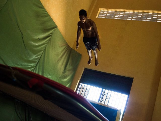 theres-a-trampoline-room-with-a-20-foot-ceiling.jpg