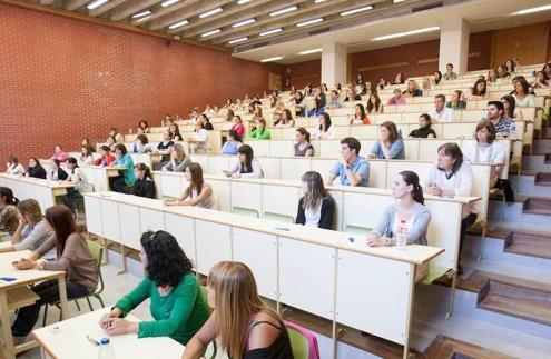 Cantabria convocará 800 plazas de maestros y secundaria en 2018