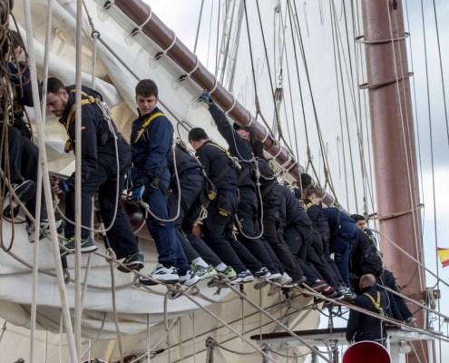17 marineros del Elcano se preparan para las oposiciones guardia civil cantabria academia santander