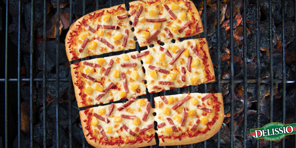 Running Out Of Bbq Ideas Try Pizza On The Bbq Three Chickens And