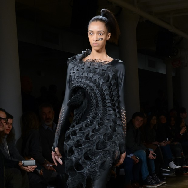 3d-printed-dresses-threeasfour-matt-carasella-fashion-design-new-york-fashion-week-2016_dezeen_sqc