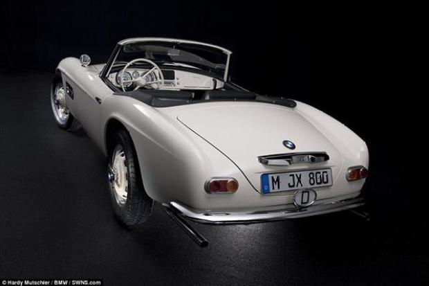 bmw-uses-3d-printing-restore-elvis-presleys-507-8