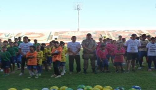 """Nove bairros são atendidos no 2° Distrito com o projeto """"Futebol Me Ensina a Viver"""" (Foto: Assessoria SEE)"""