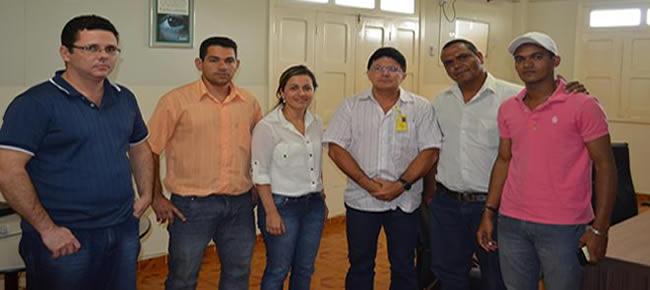 Vereadores foram recebido pelo gerente da Anatel no Acre, senhor Cicero Maia – Foto: Assessoria