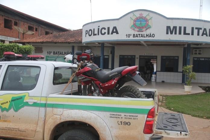 Moto foi conduzida ao pátio do 10º Comando em Brasiléia – Foto: Alexandre Lima
