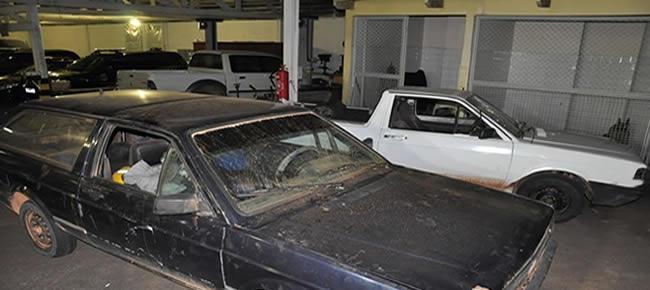 veículos e os três suspeitos foram levados para a sede da Superintendência
