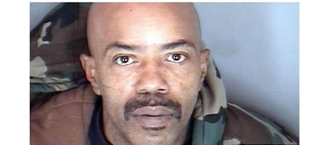 Homem invade cemitério e rouba cadáver do pai para fazê-lo voltar à vida